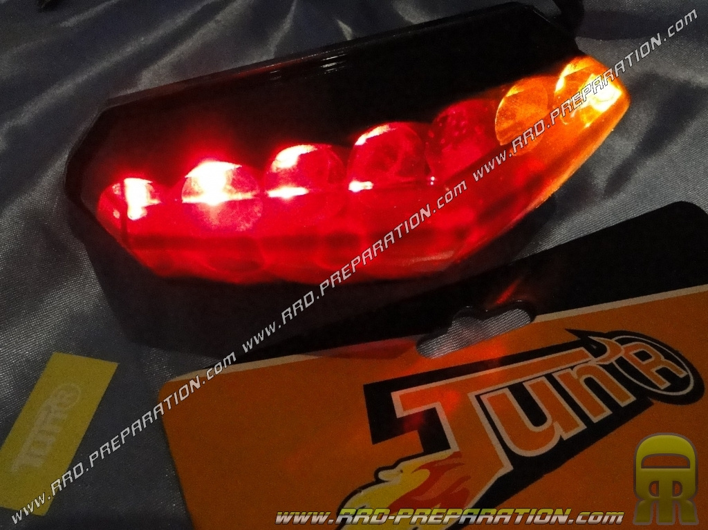 led taillight with universal flashing tun 39 r black smoke m caboite scooter mob. Black Bedroom Furniture Sets. Home Design Ideas
